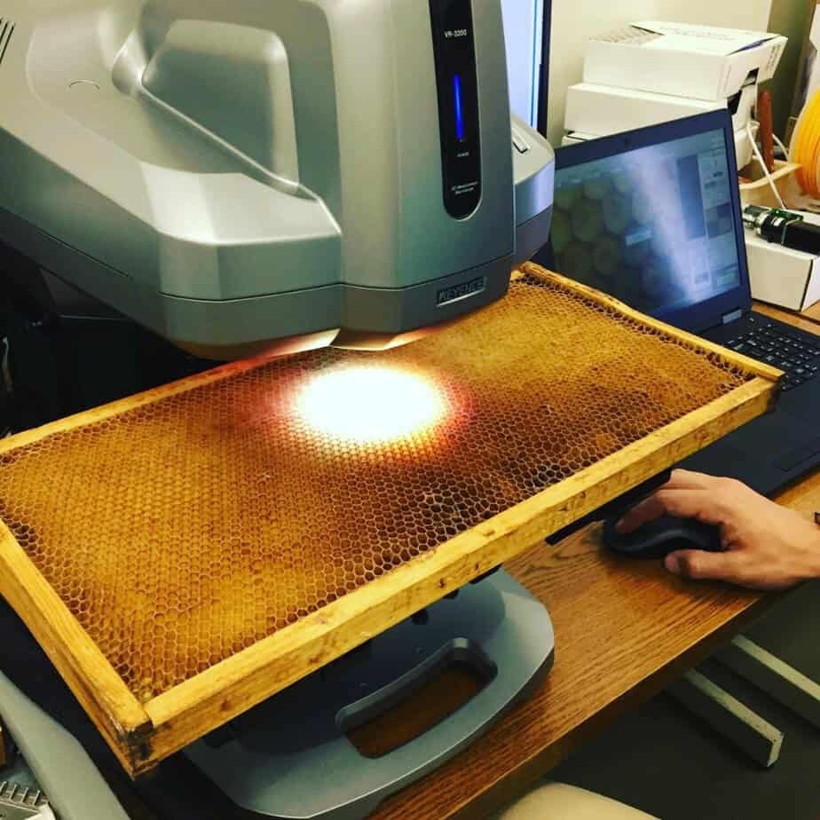 Keyence imaging system used to scan and measure honeycomb parameters. (photo: Dhruv Bhate)